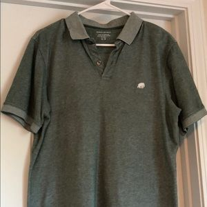 BananaRepublic Size Medium Green Distressed Polo